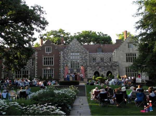 Shakespeare on the Lawn at Salisbury House