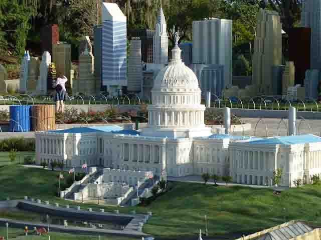 US Capitol made of Legos