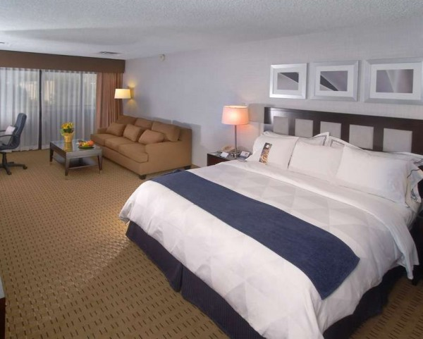 king-room-radisson-albuquerque