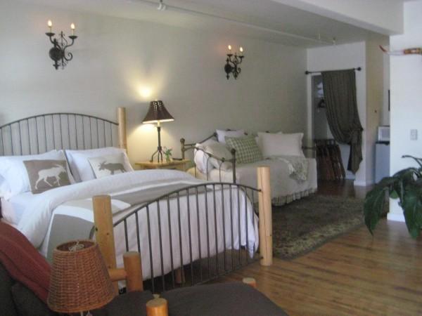 Hacienda Familia, ADA Suite, Handlicap accessible, half moon bay inn, nancy d. brown