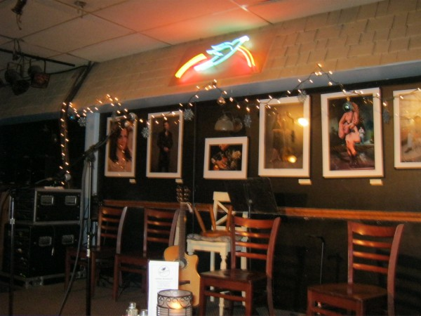 Music in The Round at Nashville&#8217;s Bluebird Cafe