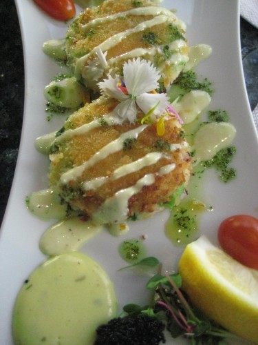 Beverly's Crab Cakes, dining, Nancy D. Brown